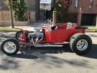 1923 FORD MODEL T BUCKET REPLICA Red. Year : 1923 Make