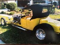 Feast your eyes on this 1923 Ford T-Roadster with a