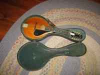 Hello, I am selling a 1927? Gibson a2z mandolin. It is