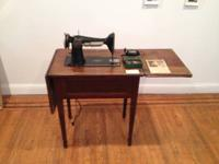 1927 Singer Sewing Machine (with cabinet). Serial #: