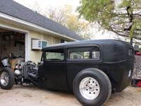 Hot Rod Black 1929 Chop-Top Ford Sedan, Filled Ribbed