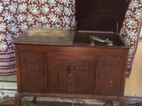 1930's Antique Brunswick Phonograph Record Player,