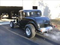 1932 ford Hi-Boy with a Fiberglass Body / rebuilt 355