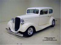 Stk. 1520 1934 Chevrolet Sedan One look at this rod,