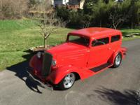 1934 Chevy Sedan 2DR Street-rod all steel body v8 350