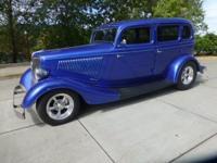 4-dr sedan model, Bonnie & Clyde gangster special!