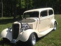1934 FORD SEDAN THAT WAS PREVIOUSLY OWNED BY WYNONA