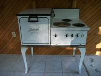 Here is a 1940 Electric Hotpoint Stove Circa. It is in