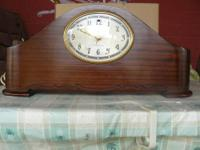 1940's Vintage Clock in pristine condition. Recently