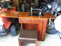 1947 Singer Sewing Machine in Art Deco cabinet with