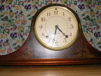 FOR SALE, 1949 SETH THOMAS MANTLE CLOCK IN PERFECT