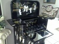 Black lacquer with mother of pearl. A beautiful and