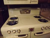 Classic 4 burner magic chef range - 2 ovens. Perfect