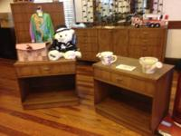 This set is from the 1950s. It is in great condition,