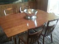 Absolutely stunning Dining Room Table and 4 Chairs plus