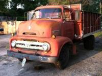 53 C600 FORD CABOVER RUNS DRIVES 302 4 Speed 2 speed