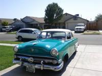 I am selling a 1953 FORD Custom line 2 door Club Coupe,