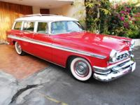 1955 Chrysler New Yorker Deluxe Town and Country Wagon