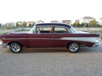 1957 Chevrolet Bel Air 2DR Sedan ..350 V8 ..4-Speed