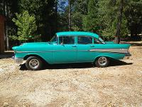 Condition: Used Exterior color: turquoise & white
