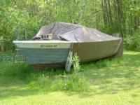 THIS BOAT NEEDS WORK.. ALL THE PLYWOOD NEEDS