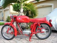 Very rare and hard to find - original Vintage MV AGUSTA