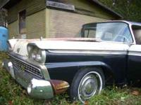 1959 Ford Galaxy Good body, Has fender skirts, Engine