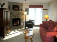Book your mountain vacation now! This comfy apartment