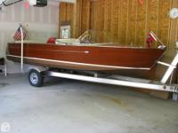 - Stock #080672 - This is a Chris Craft 17' Mahogany