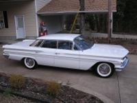 1960 Pontiac Ventura. -This is a super cool and rare