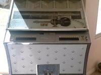 I have very nice 1960s Seeburg Jukebox it's a select o
