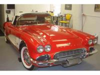 Year : 1961 Make : Chevrolet Model : Corvette Exterior