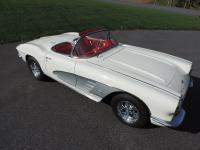 1961 Chevrolet Corvette Roadster. 1961 CORVETTE