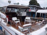 For Sale Classic Cabin Crusier - 1963 Chris Craft