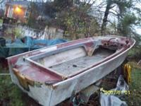 1965 Crosby, 14 ft. fiberglass boat,,3 hull,,project