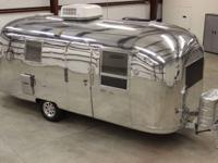 Beautiful Vintage 1965 Airstream Safari Land Yacht
