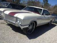 1966 Buick LeSabre This American classic currently has