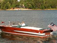 Extremely nice 20ft Chris Craft for sale. Both upper