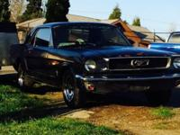 1966 mustang coupe. 200 6 CYL. automated. Motor runs