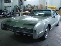 1966 Oldsmobile Toronado ..1st Front Wheel Drive Car