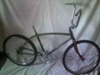 vintage 1967 Schwinn Fastback - original wheels and
