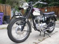Perfect 1967 Triumph Bonneville totally restored. Kick