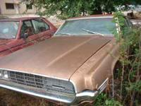 We have here a nice 1968 Ford Thunderbird for sale. The
