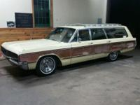 real solid and clean 1968 Chrysler Town and country