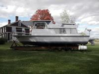 1968 Marinette River Cruiser Boat is located in