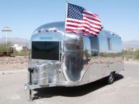 Absolutely stunning Vintage 1968 Airstream Safari
