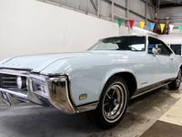 This 1969 Buick Riviera 2 Door Hardtop Coupe (Stock #