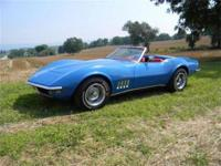 1969 Chevrolet Corvette Lemans Blue/Bright New red