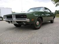 This 1969 Dodge Charger R/T HEMI 4spd Dana 60 Track