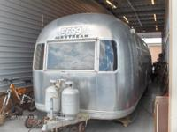 1970 31 foot, double axle Airstream Sovereign. Very